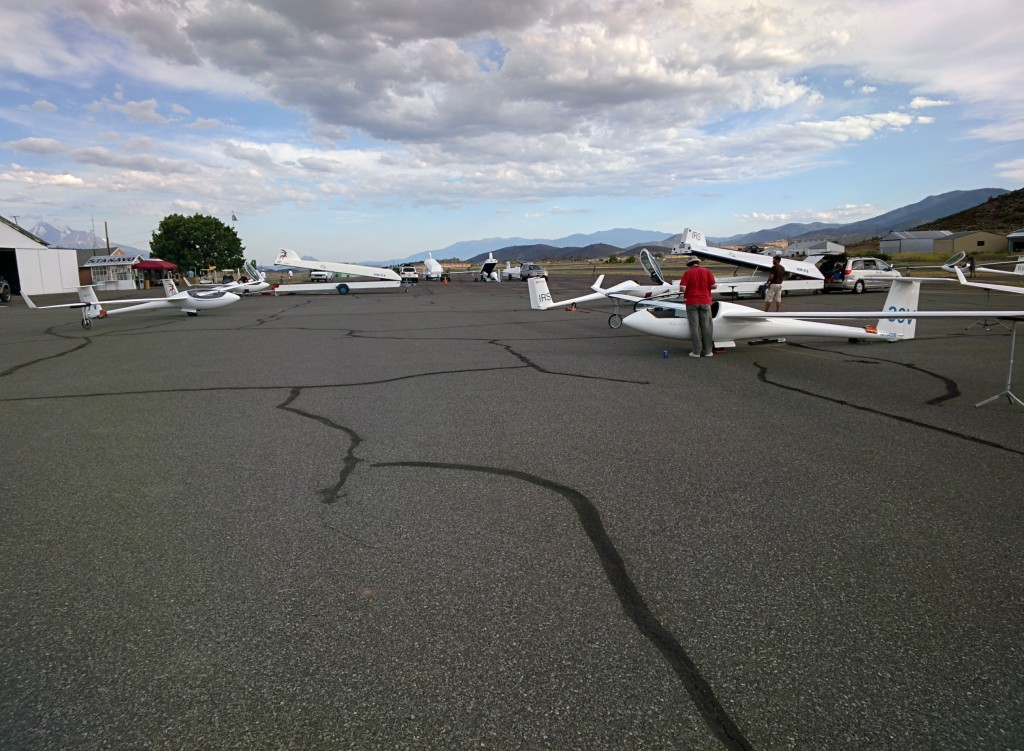 Trailering gliders at contest's end